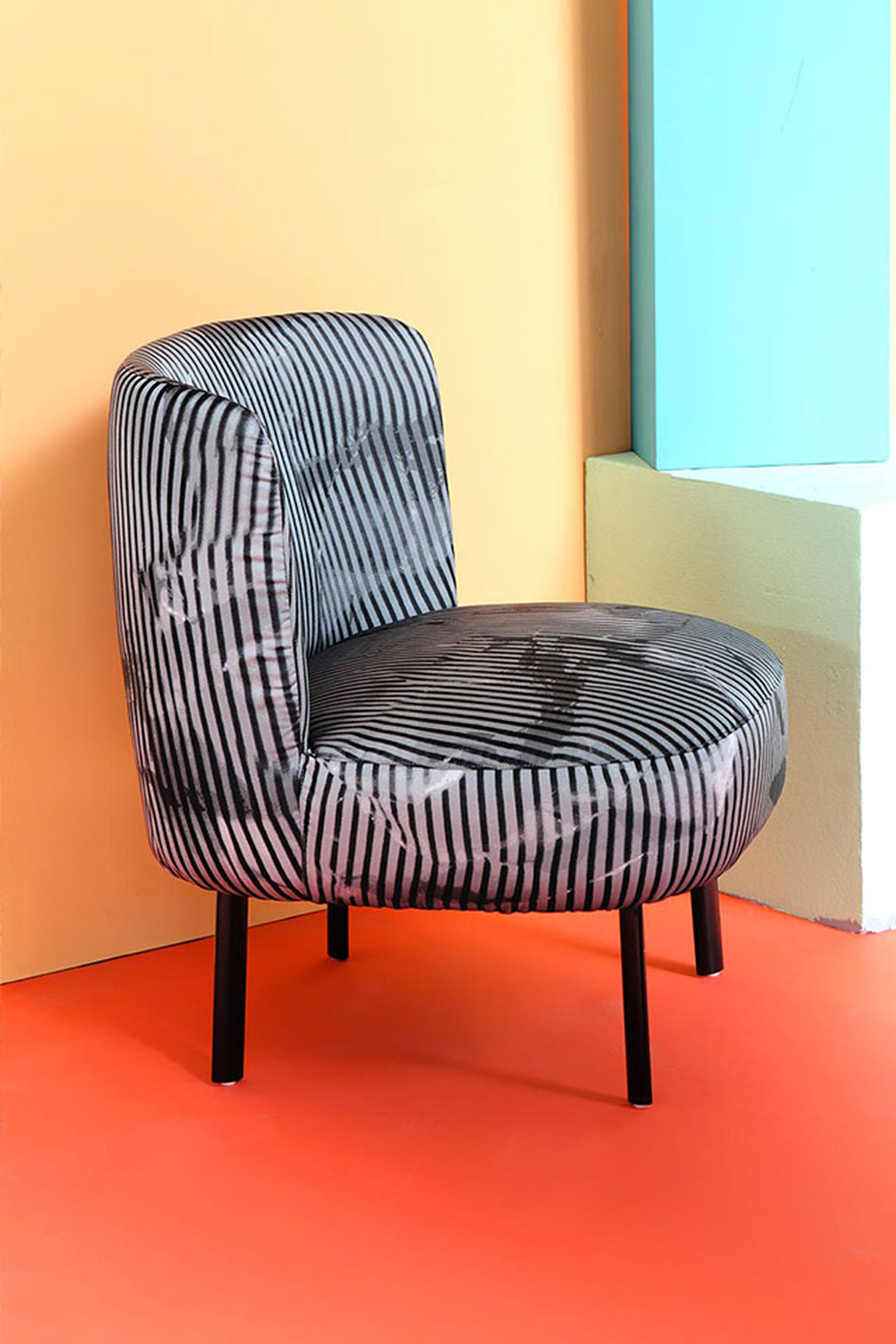 GIMME SHELTER CHAIR 02