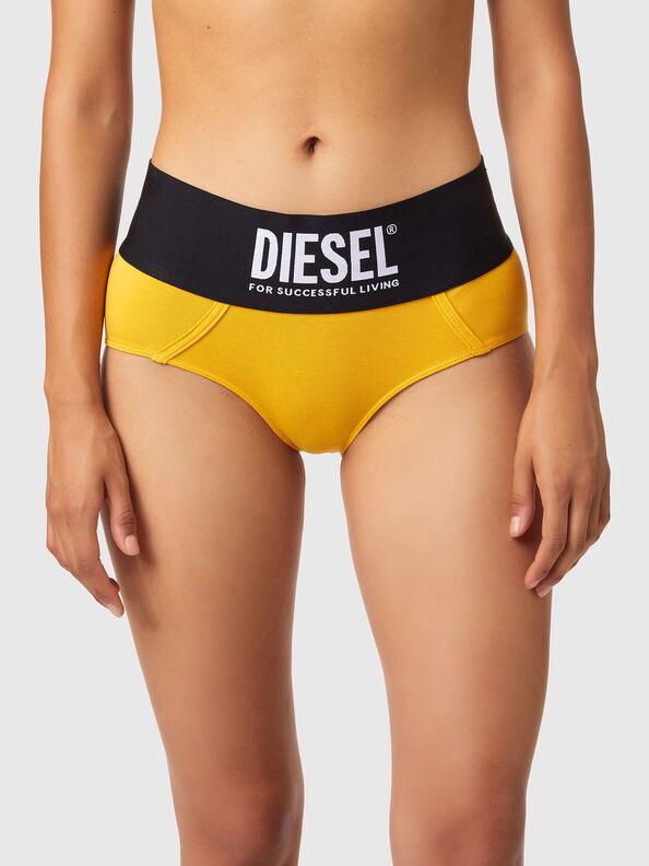 https://lv.diesel.com/dw/image/v2/BBLG_PRD/on/demandware.static/-/Sites-diesel-master-catalog/default/dwa8516dc2/images/large/00SEX1_0DCAI_22K_O.jpg?sw=594&sh=792