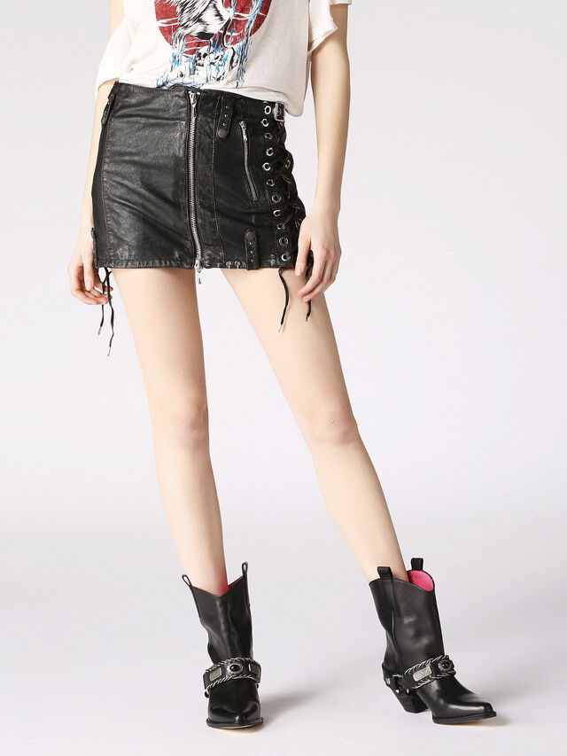 L-DALE, Black Leather