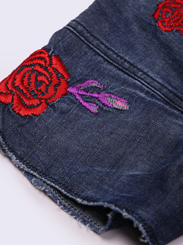 JELLA, Blue Jeans