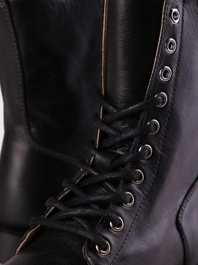 D-KOMB BOOT CB, Black Leather